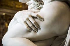 Rome, Galleria Borghese, de Verkrachting van Proserpina door Bernini, Detail stock fotografie