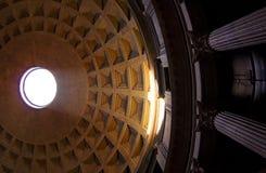 Rome. Het binnenland van het Pantheon. stock afbeeldingen
