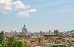 Rome horisont i dagen i sommar Arkivfoton