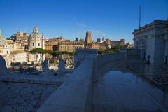 Rome horisont och kupoler av den Santa Maria di Loreto kyrkan Arkivbild