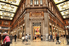 Rome, Italië - APRI 9, 2016: Galleria Alberto Sordi in Rome op A Royalty-vrije Stock Foto
