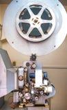Rome, Italië - April 22 2015 Uitstekende professionele 16 mm-projector Stock Afbeelding