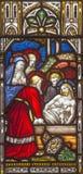 ROME, ITALIË: De begrafenis van Jesus op de ruit van de Anglicaanse Kerk van Alle Heiligen door werkruimte Clayton en Zaal Stock Foto's