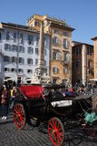 Rome, Italië: 17 februari 2017 - Piazza della Rotonda - gebouwen en dramatische hemel, Rome, Italië Stock Fotografie