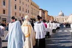 Rome-Italië-24 10 2015, godsdienstige optocht door de straten royalty-vrije stock afbeeldingen