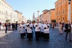 Rome-Italië-24 10 2015, godsdienstige optocht door de straten royalty-vrije stock afbeelding