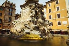 Rome, Italië - 27 Mei 2018: fontein voor Pantheon Royalty-vrije Stock Fotografie