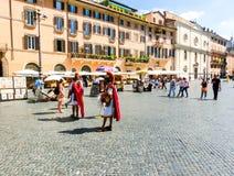 Rome, Italië - September 10, 2015: Toeristen bij Piazza Navona in Rome, Italië Stock Afbeelding