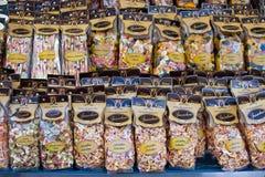 ROME, ITALIE - APRILE, 6 : Emballage avec les pâtes colorées sur le dei Fiori, Aprile 6, 2013 de Campo du marché Image libre de droits