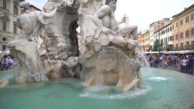 Rome, Italie - 23 06 2018 : Fontaine de Neptune dans la place Navona, Rome de Piazza tir de steadicam banque de vidéos