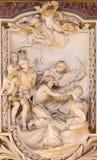 ROME, ITALIE - 10 MARS 2016 : Le soulagement de la scène de la vie de St Andrew l'apôtre par Andrea Bergondi 18 cent Photos libres de droits