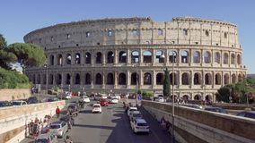 ROME, ITALIE - VERS en mai 2018 : Panorama de Colosseum à Rome, Italie Colisé antique d'amphithéâtre banque de vidéos