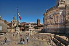 Rome Italien - APRI 11, 2016: Vittorio Emanuele II, museet c Royaltyfria Foton