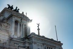 ROME Italien: Fantastisk sikt av altaret av fäderneslandet, Altare della Patria som är bekant som den nationella monumentet till  royaltyfri fotografi