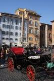 Rome Italien: februari 17 2017 - Piazzadella Rotonda - byggnader och dramatisk himmel, Rome, Italien Arkivbild