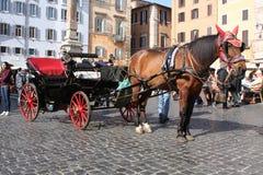 Rome Italien: februari 17 2017 - Piazzadella Rotonda - byggnader och dramatisk himmel, Rome, Italien Royaltyfria Foton