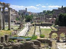 19 06 2017 Rome, Italien: Härlig sikt av Ruins av den berömda romaren Royaltyfri Foto