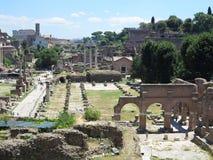19 06 2017 Rome, Italien: Härlig sikt av Ruins av den berömda romaren Royaltyfri Bild
