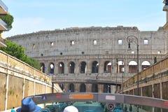 Rome ITALIEN - JUNI 01: Colosseum i Rome, Italien på Juni 01, 2016 Arkivbild