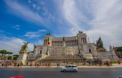 ROME ITALIEN - JUNI 13, 2015: Den Vittorio Emanuele II monumentet eller altaret av fäderneslandet är ett historiskt ställe som sk Royaltyfri Fotografi
