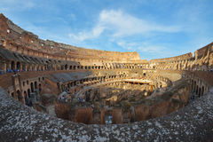 Rome ITALIEN - JUNI 01: Inom Rome Colosseum i Rome Italien på Juni 01, 2016 Royaltyfri Bild