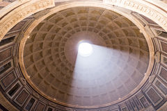 ROME ITALIEN - JUNI 08: Panteon i Rome, Italien på Juni 08, 2014 Royaltyfria Foton