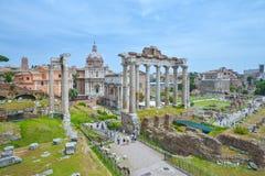 Rome ITALIEN - JUNI 01: Roman Forum fördärvar i Rome, Italien på Juni 01, 2016 Arkivfoto