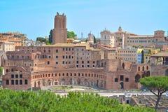 Rome ITALIEN - JUNI 01: Roman Forum fördärvar i Rome, Italien på Juni 01, 2016 Fotografering för Bildbyråer