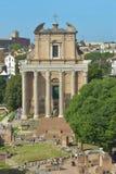 Rome ITALIEN - JUNI 01: Roman Forum fördärvar i Rome, Italien på Juni 01, 2016 Arkivfoton