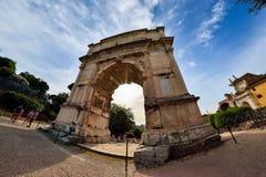 Rome ITALIEN - JUNI 01: Roman Forum fördärvar i Rome, Italien på Juni 01, 2016 Royaltyfria Bilder