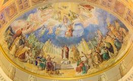 ROME ITALIEN: Kröning av vår damfreskomålning 1957-1965 i den huvudsakliga absid av kyrkliga basilikadi Santa Maria Ausiliatrice Arkivbilder
