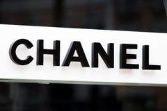 Rome Italien - Maj 13, 2018: Chanel modelager i Rome Fotografering för Bildbyråer
