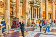 ROME ITALIEN - MAJ 09, 2017: Den inre inre av panteon, är Fotografering för Bildbyråer