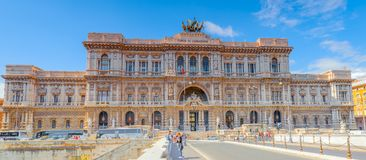 ROME ITALIEN - MAJ 08, 2017: Slott av rättvisaCorte Suprema di Royaltyfri Bild