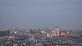 ROME ITALIEN - MAJ 31 2018: Timelapse av Rome panorama Venedig fyrkant på natten för sommartid stock video