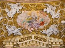 ROME ITALIEN - MARS 10, 2016: Freskomålningapoteos av Stanislaus Kostka i kyrkliga Chiesa di Santa Caterina da Siena en Magnapoli Royaltyfri Fotografi
