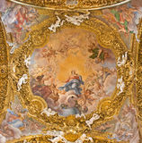 ROME ITALIEN - MARS 12, 2016: Freskomålningen av den obefläckade befruktningen i den huvudsakliga kupolen i Chiesa di Santa Maria Royaltyfria Bilder