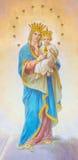 ROME ITALIEN - MARS 12, 2016: Freskomålningen av Madonna på det huvudsakliga altaret av den okända konstnären från börjar av 20 c Royaltyfri Fotografi