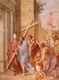 ROME ITALIEN - MARS 9, 2016: Freskomålningkejsaren Constantine som antagligen bär det heliga korset i kyrkliga basilikadi Santa M Arkivfoton