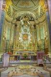 ROME ITALIEN - MARS 10, 2016: Presbyteriet i kyrkliga Chiesa di Santa Caterina da Siena en Magnapoli Det höga altaret var tankesk Arkivfoto