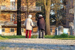 ROME ITALIEN - 14 marsch 2015: Folk i fyrkanten i centret Arkivfoton
