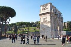 Rome Italien 15 November 2015: Båge av Constantine, Byggt för att fira minnet av segern för kejsare` s över hans rival Arkivfoton