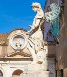 ROME ITALIEN; OKTOBER 11, 2017: ÄrkeängelSt Michael Statue på Ca royaltyfri bild