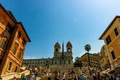 Rome Italien - 2018 Piazza di Spagna Spanien fyrkant, Roma, Italien Spanska Steps är den mest breda trappuppgången i Europa arkivfoton