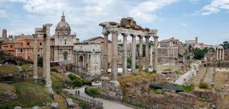 Rome Italien - tempel av Saturn Fotografering för Bildbyråer