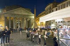 Pantheon at night with open restaurants Stock Photos