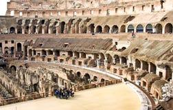 ROME ITALY-MARCH 22, 2015: Turister i Colosseumen Denna är en Unesco-världsarv italy rome Arkivbilder