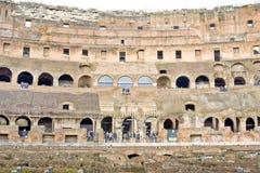 ROME ITALY-MARCH 22, 2015: Turister i Colosseumen Denna är en Unesco-världsarv italy rome Arkivfoton