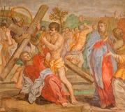 Rome - Jesus nedgång under arg freskomålning i sidokapell av kyrkliga Chiesa San Marcello al Corso av Paolo Baldini (1600) fotografering för bildbyråer