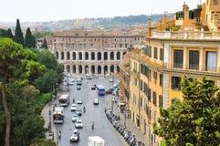 ROME-JULY 19: Teater av Marcellus på Juli 19, 2013 i Rome. Italien. Teatern av Marcellus är en forntida frilufts- teater i ROM-min Arkivfoto